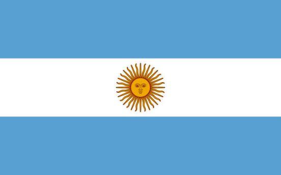 ¿Qué representa el color azul de la bandera de Argentina?